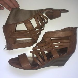 Steve Madden Strappy Wedge Sandals Brown Leather